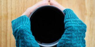 držení čaje