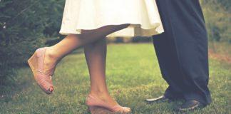 nohy – muž žena